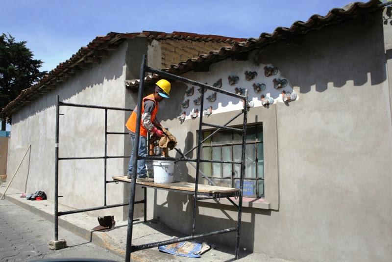 Remozan 300 fachadas de casas típicas de Metepec