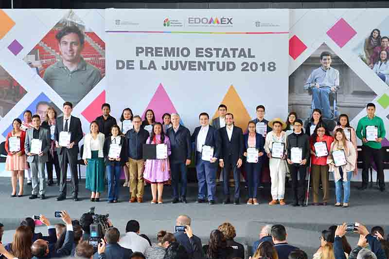 Otorgan Premio Estatal de la Juventud 2018
