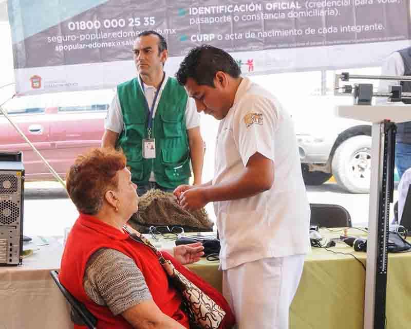 Alcanzan 7.2 millones de afiliados al Seguro Popular en Edoméx