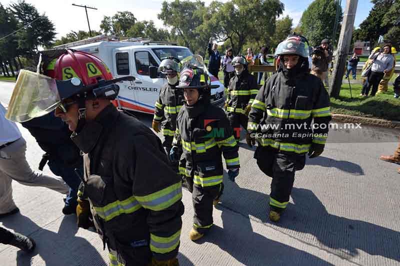 Arde tanque de combustible en instalaciones de Pemex... en simulacro