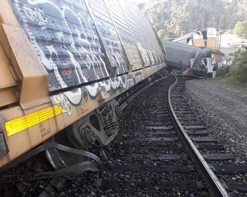 Descarrila tren en Temascalcingo