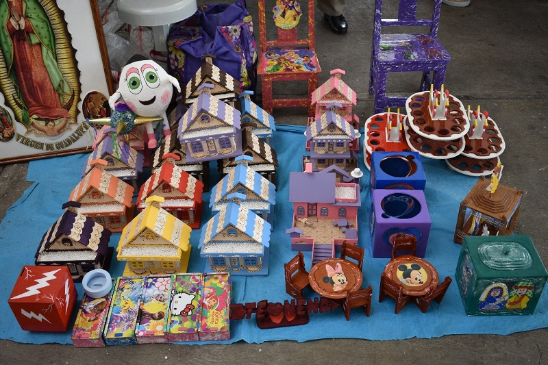 Personas privadas de su libertad realizan actividades en la industria penitenciaria y elaboran artesanías