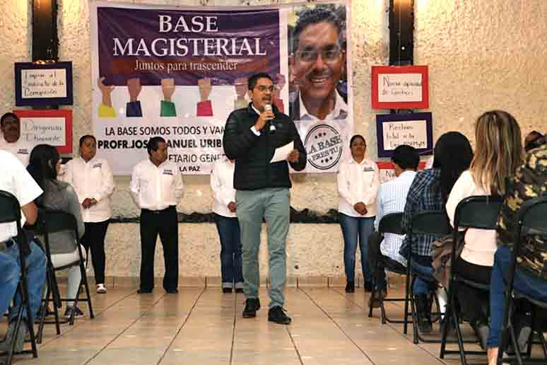 """Promete candidato de Base Magisterial no buscar otro """"hueso"""""""