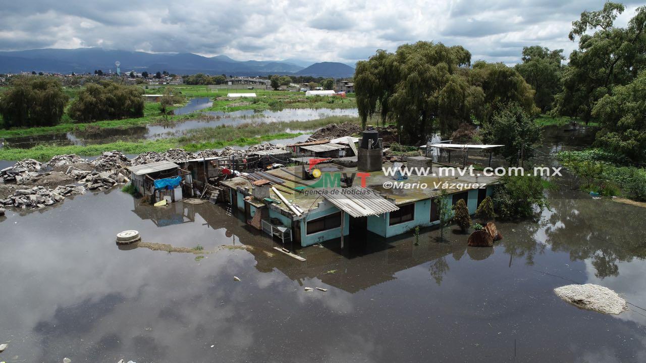 Causan estragos inundaciones en San Mateo Atenco