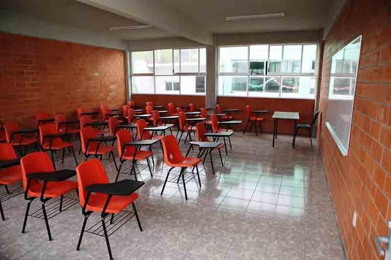Acumulan entrega de 60 obras escolares en Metepec