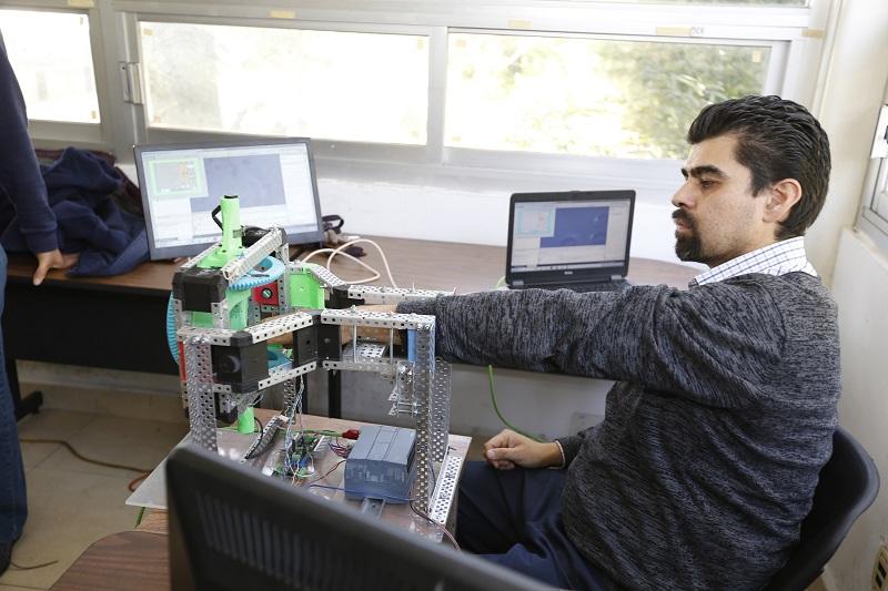 Especialistas de UAEM desarrollaron exoesqueleto para ayudar en rehabilitación de hombros, brazos, antebrazos y muñecas