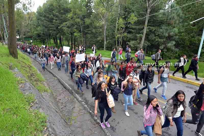 Estudiantes de la UAEMéx se suman al grito de paz