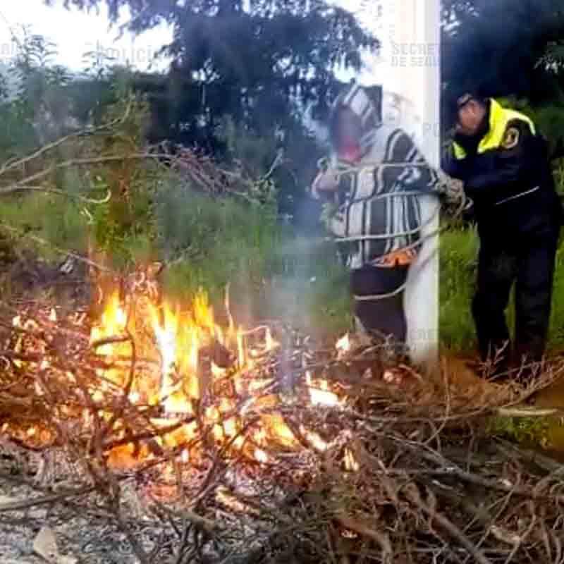 Salvan a mujer de ser quemada viva en Ocoyoacac