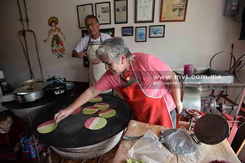 Lanzan por fiestas patrias ¡tortillas tricolores!