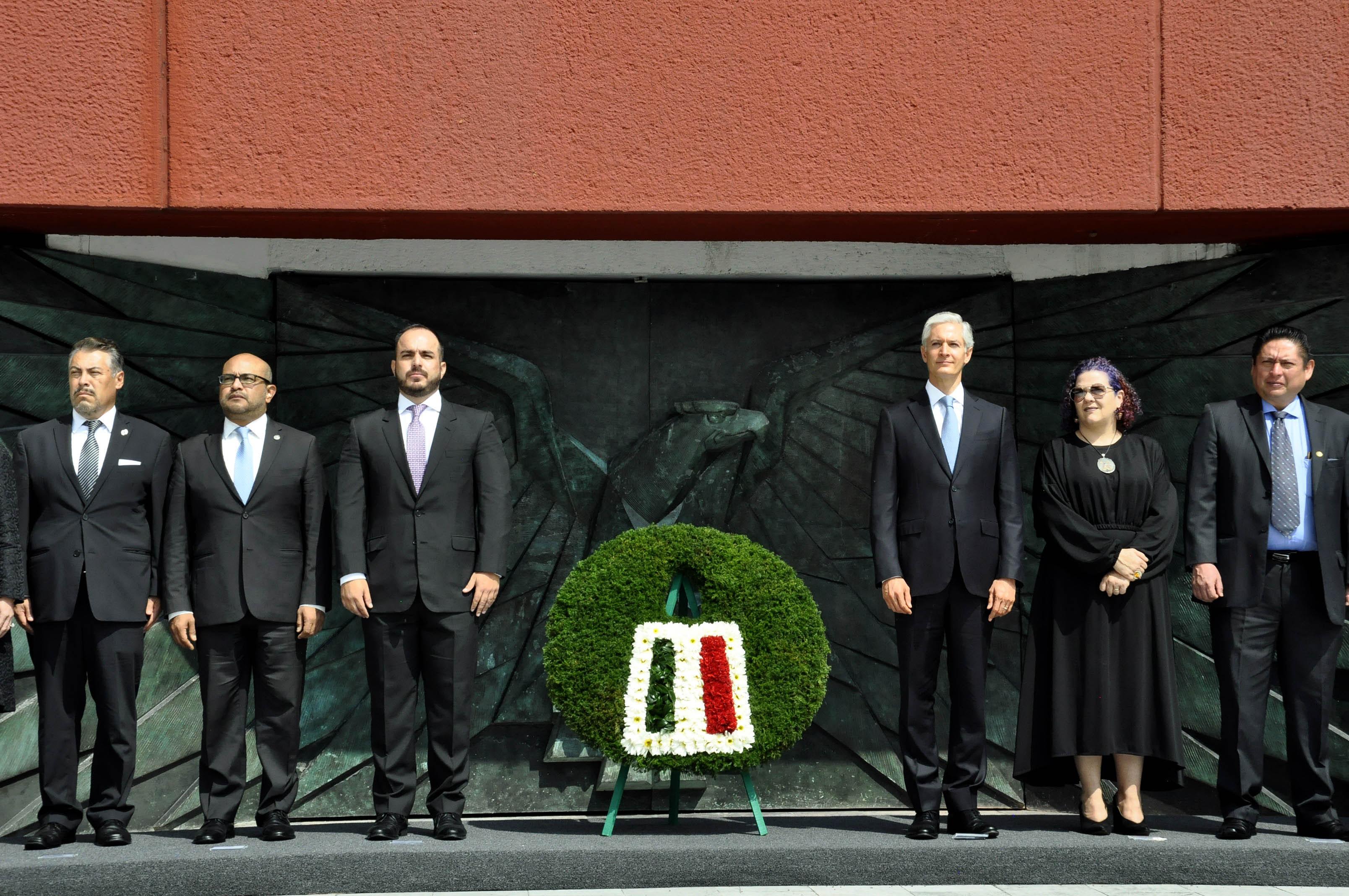 Encabeza gobernador Ceremonia del XLIX Aniversario Luctuoso del expresidente Adolfo López Mateos.