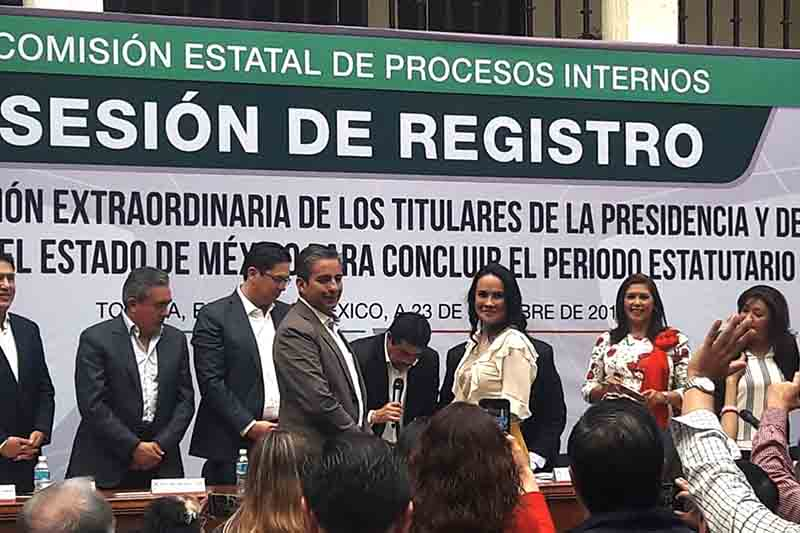 Va sola Alejandra del Moral para presidir el PRI estatal