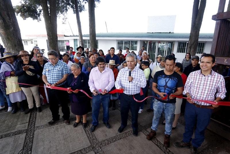 Mejoran condiciones de salud en San Nicolás Tolentino; inaugura FZM rehabilitación del Centro de Salud