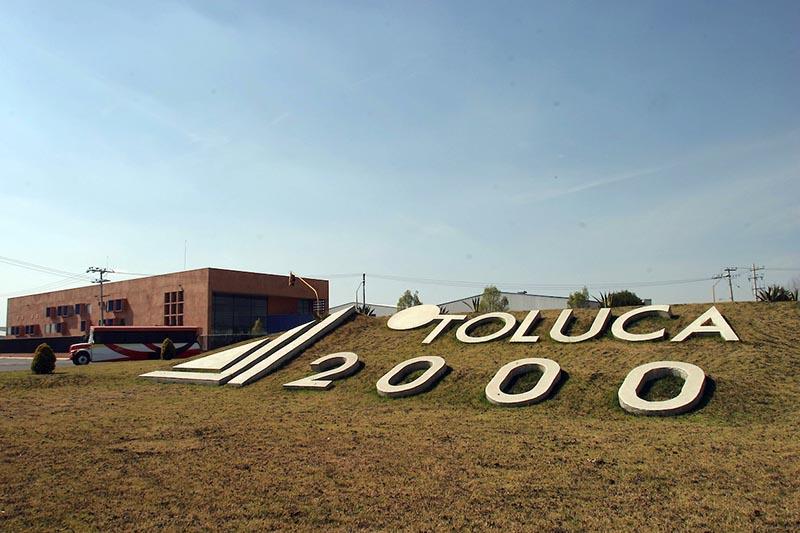 Denuncian construcción irregular en el Parque Toluca 2000