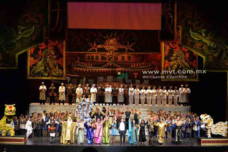 Deslumbra ópera Turandot a toluqueños