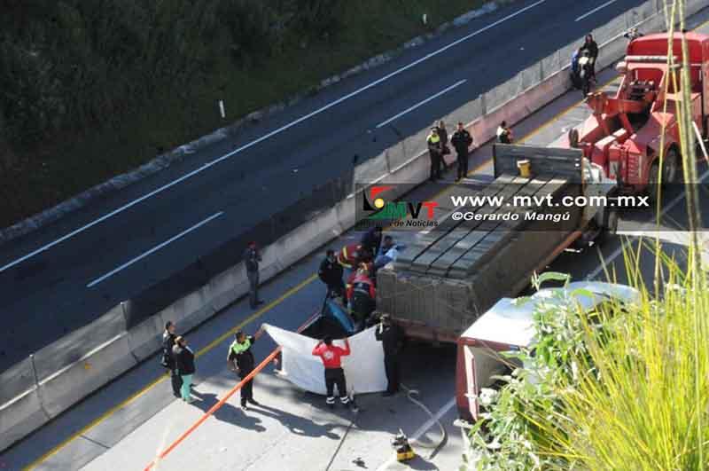 Muere copiloto en accidente en autopista Tenango-Ixtapan
