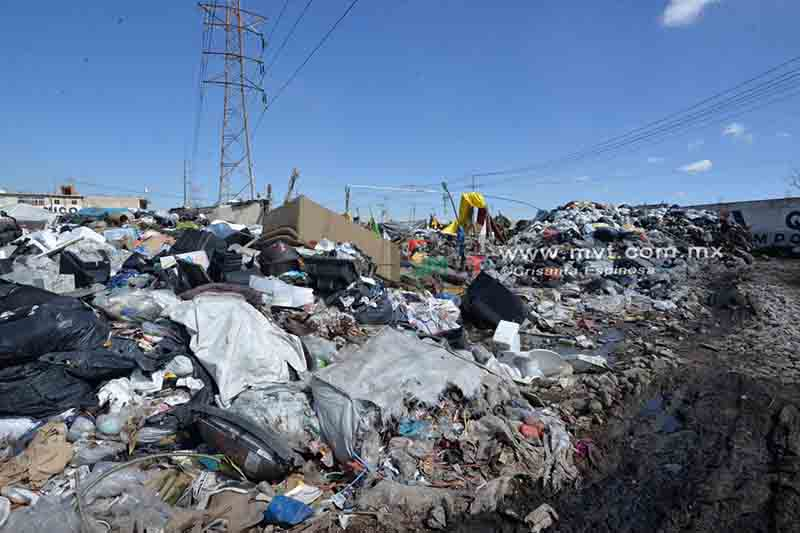 Piden retirar montañas de basura de vía pública metepequense