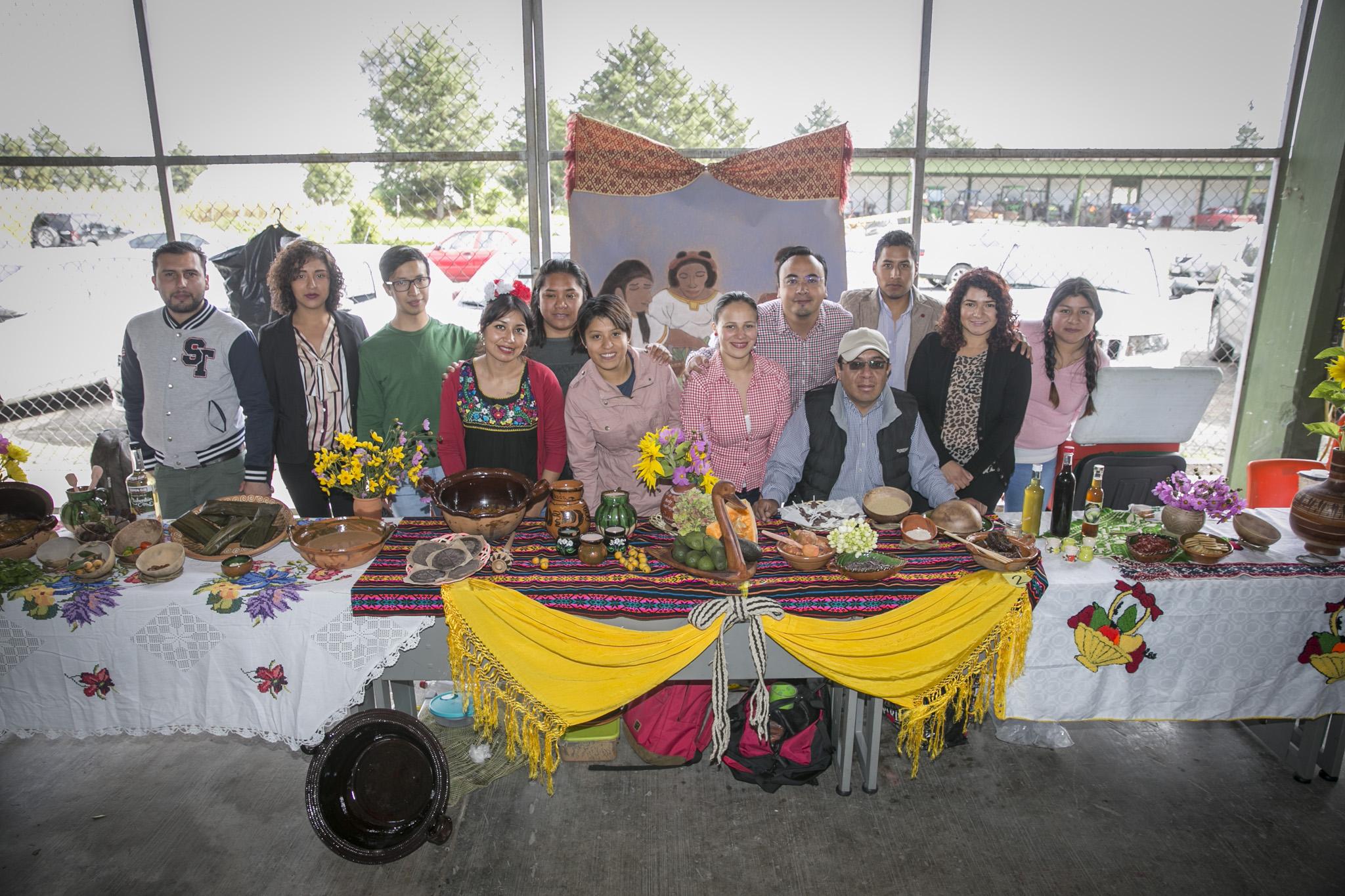Estudiantes UAEMéx en rescate de la gastronomía de la entidad