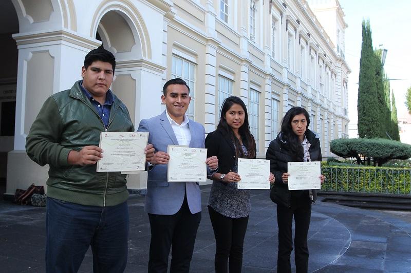Estudiantes de UAEM Atlacomulco ganaron tercer lugar en Maratón de Conocimientos de la ANFECA