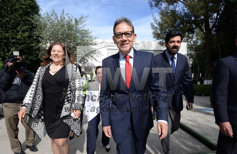 El rector Alfredo Barrera realizó cambios al gabinete universitario y creó la Secretaría de Finanzas