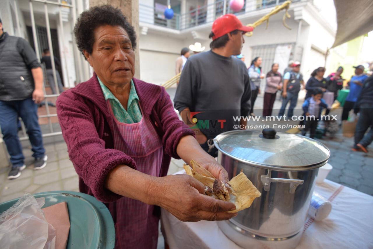 Arrasa feria gastronómica metepequense de tamales