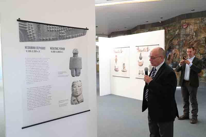 Inauguran exposición de tesoros arqueológicos... sin una pieza arqueológica