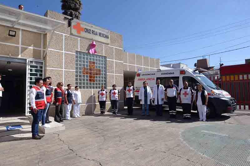 Montan guardia de honor a paramédico de Cruz Roja caído