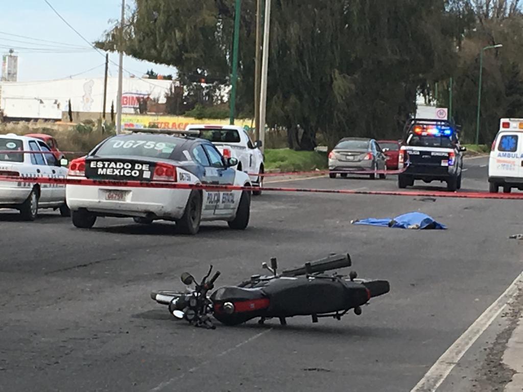 Fallece mujer tras caer de motocicleta en la Toluca-Tenango