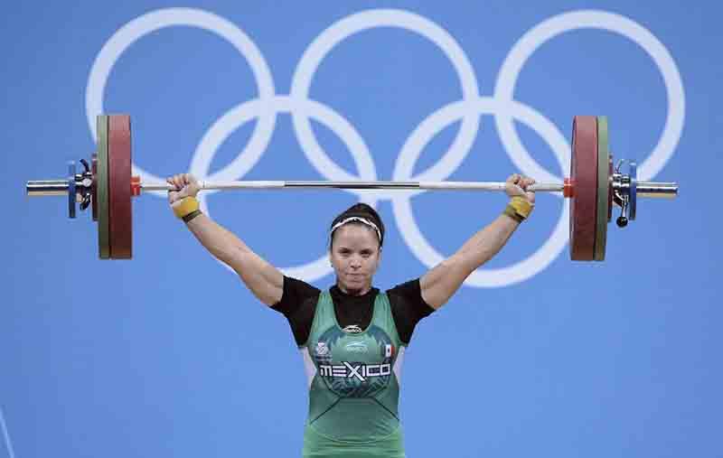 Seis años después recibe medalla olímpica