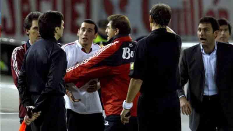 Reaccionan jugadores de los Diablos por suspensión de la final de la Libertadores
