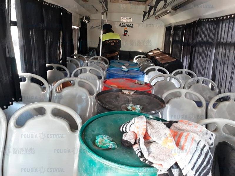 Transportaban huachicol en camión de pasajeros en Texcoco
