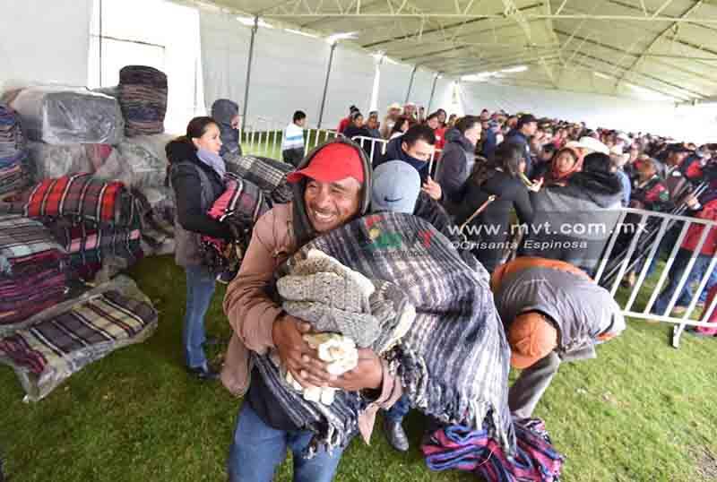 """Cobijan"" con ayuda a comunidades marginadas de Temascaltepec"