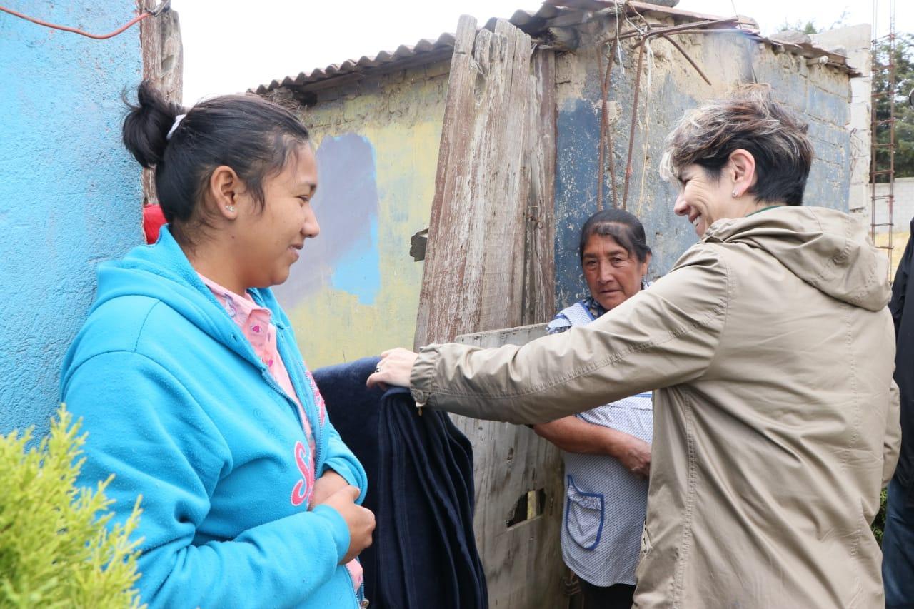 Entrega DIF más de mil 800 apoyos en Santiago Tlacotepec