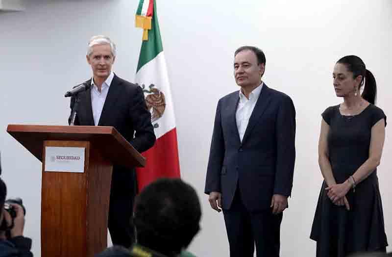 Paga gobierno mexiquense a artesanos que elaboraron abrigo para los más necesitados