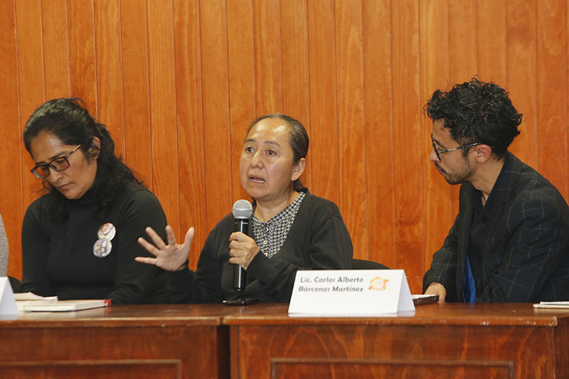 Comparten experiencias sobre feminicidios en foro universitario