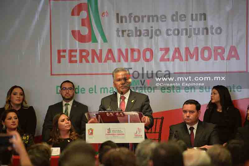 Rinde Zamora Morales su tercer Informe de Gobierno