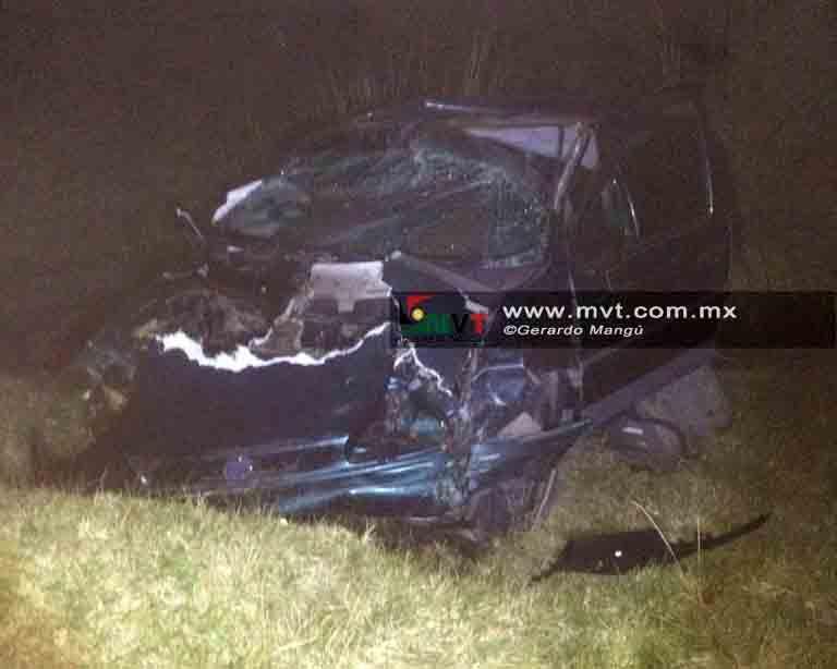 Fallecen cuatro integrantes de una familia tras accidente en Santiago Tianguistenco