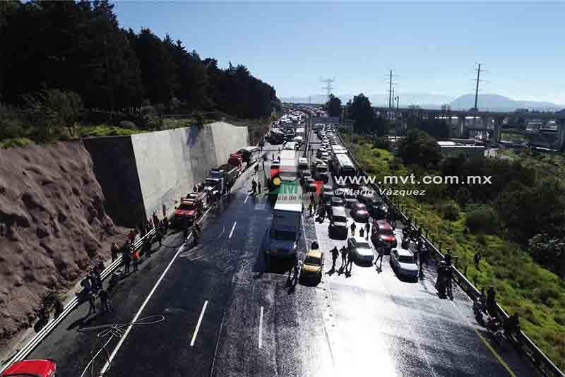 Impactan unidades pesadas en la México-Toluca
