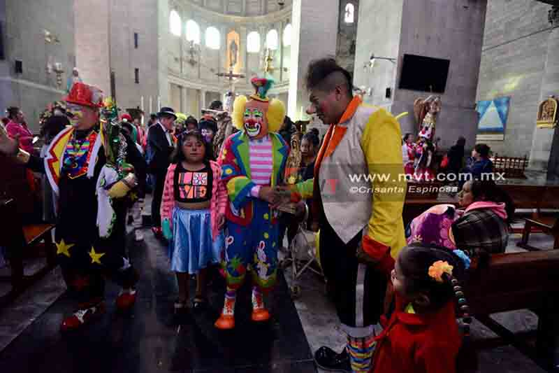 Se celebran payasos en su día con misa en Catedral