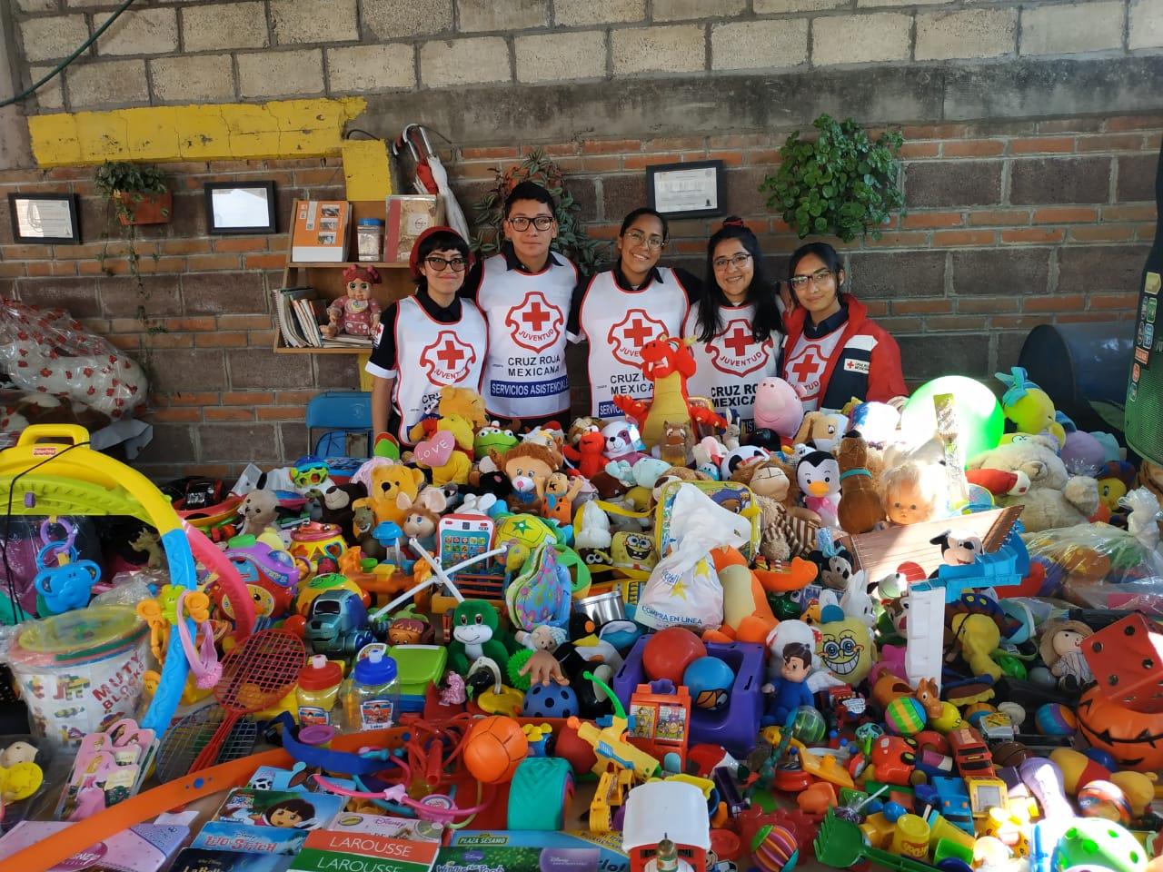 Lleva Cruz Roja mexiquense juguetes y abrigo a niños de Cuautitlán Izcalli