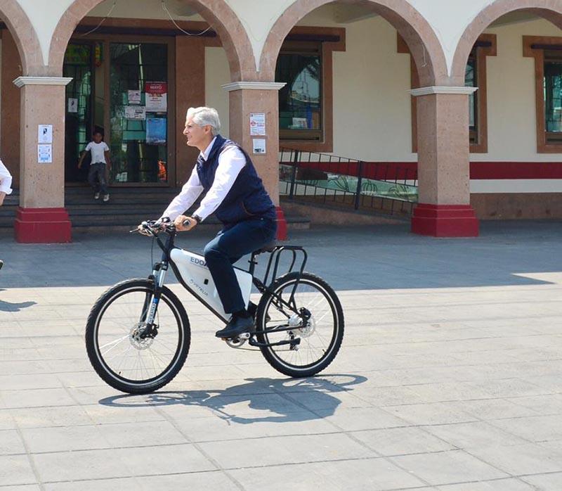 Pone orden Del Mazo en transporte con bicicletas y taxis