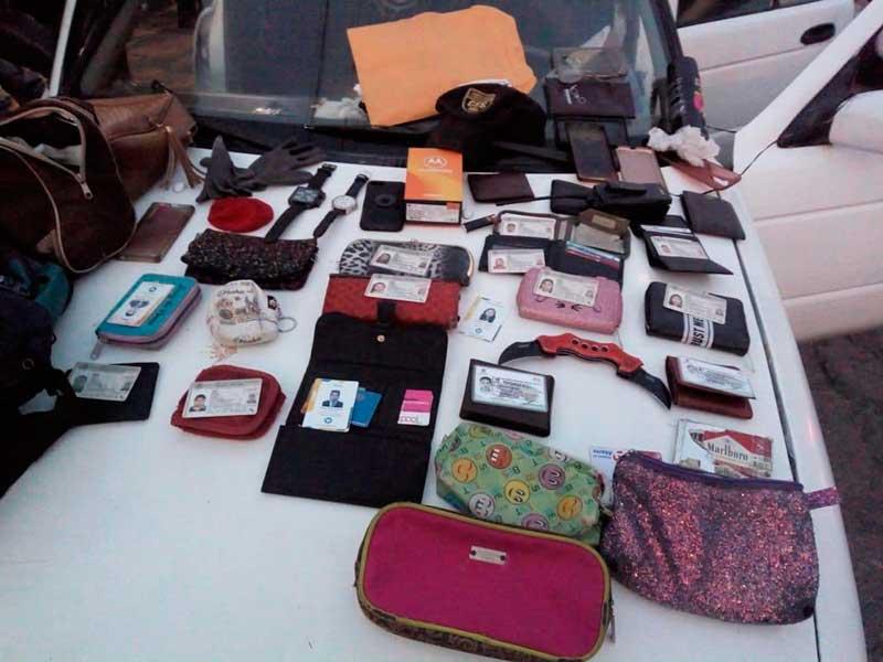 En Toluca detienen a 5 sujetos relacionados con 12 asaltos a pasajeros de transporte público