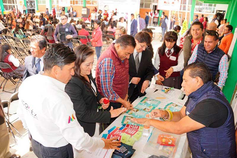 Realizan jornada de prevención del embarazo adolescente en Almoloya de Juárez