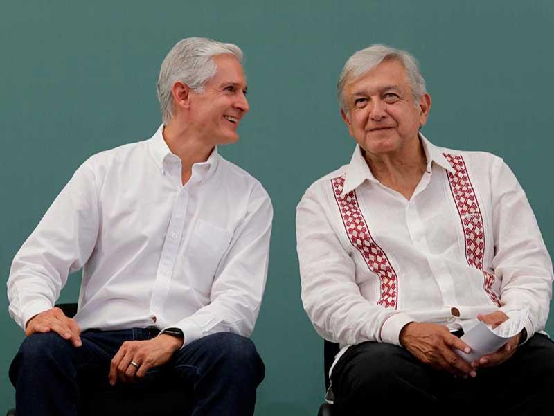 El presidente y el gobernador del Edoméx entregan apoyos sociales en Jilotepec