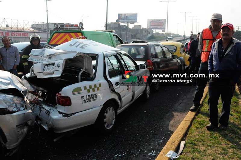 Se registra una carambola de 4 vehículos en Paseo Tollocan