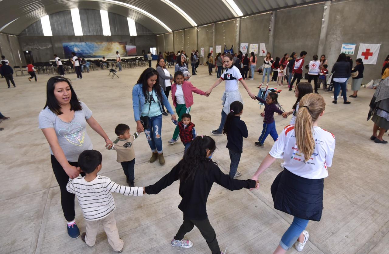 Celebra Cruz Roja Edomex Día del Niño en la comunidad otomí de Yühü
