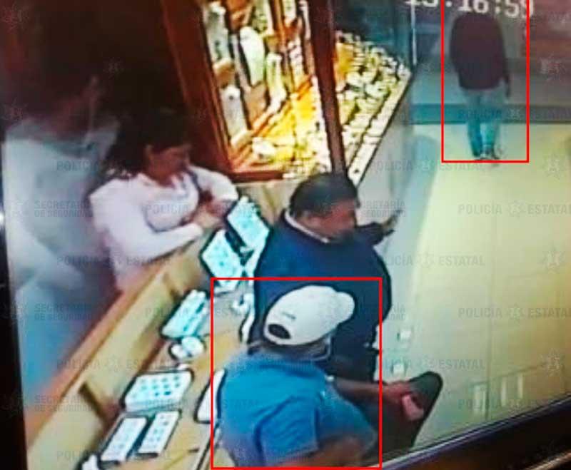 Detienen a uno de los presuntos asaltantes de joyería en Galerías Metepec