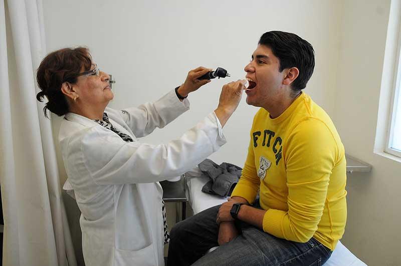 Aconsejan acudir oportunamente al médico para evitar complicaciones por contingencia ambiental