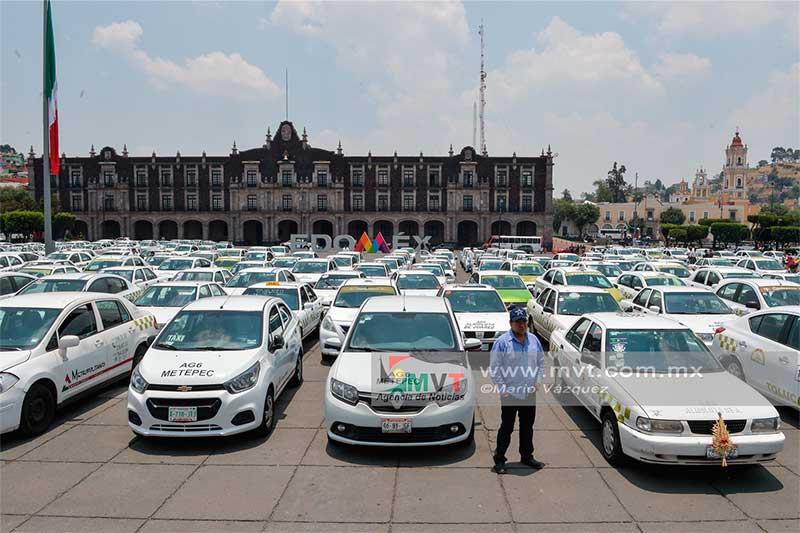 Taxistas buscarán un amparo contra operativos por la verificación vehicular en Toluca