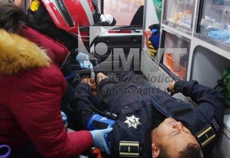 Toro se escapa del rastro y cornea a un policía en Zinacantepec