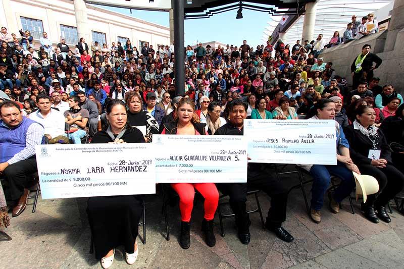 Apuntala Toluca con más de 2.3 MDP al sector microempresarial